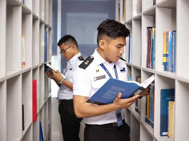 seafarers-in-library